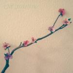 Orchideenblüten aus Tonpapier
