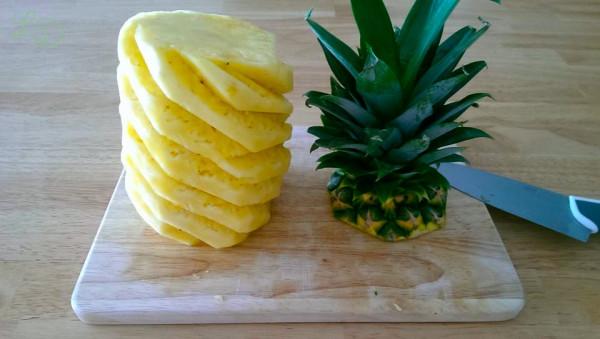 Ananas schneiden 4