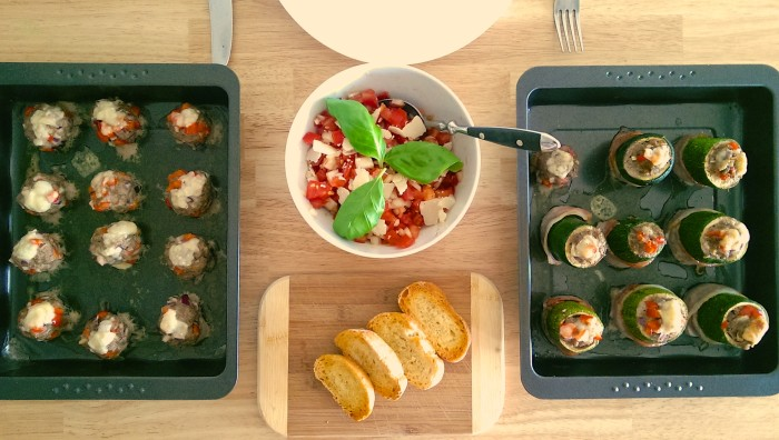 Gefüllte Zucchini mit Hackfleisch-Paprika-Füllung und Speckmantel 4