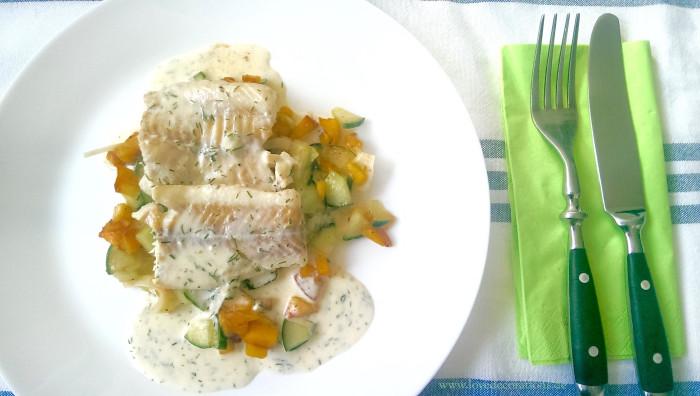 Pfirsich-Gurken-Fenchel-Salat mit Fisch 16