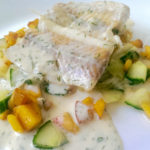 Pfirsich-Gurken-Fenchel-Salat mit Fisch