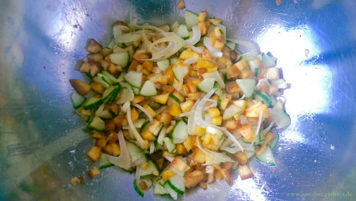 Pfirsich-Gurken-Fenchel-Salat mit Fisch 9