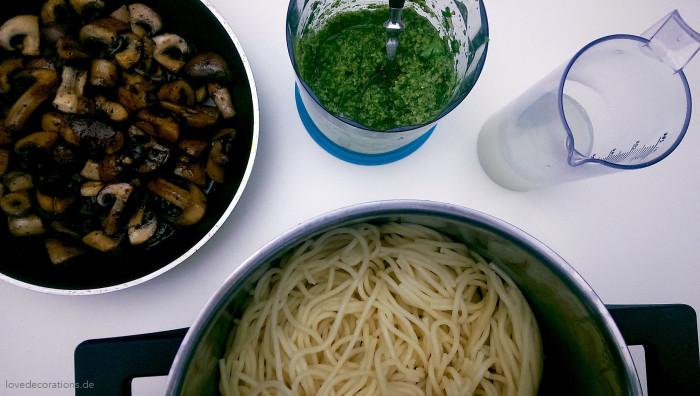 Spaghetti mit Walnuss-Pesto 5