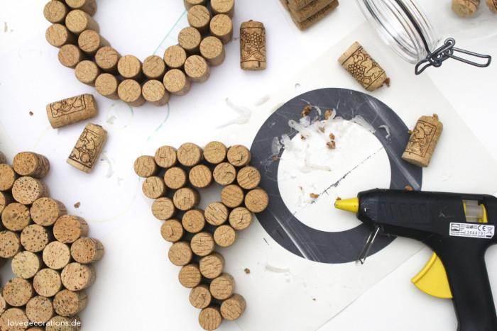 DIY 3D Buchstaben aus Korken 11