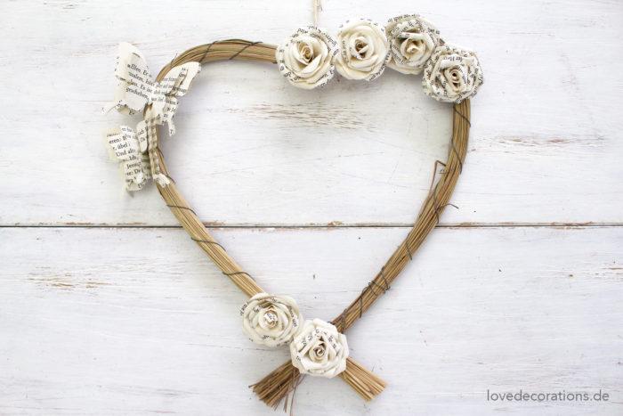 Herzkranz mit Schmetterlingen + Rosen 1