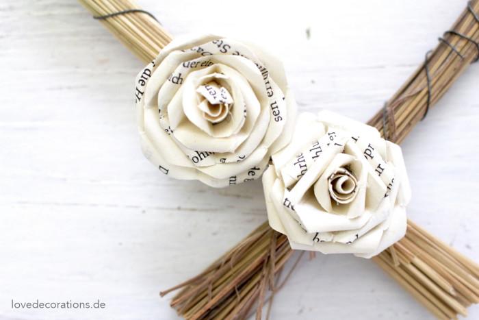 Herzkranz mit Schmetterlingen + Rosen 2