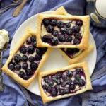 Schnelle Blaubeer-Frischkäse-Blätterteigschnitten | Gastbeitrag