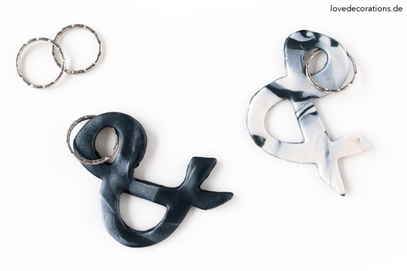 DIY marmorierte Ampersand Schlüsselanhänger | DIY marble Keychain made of Clay