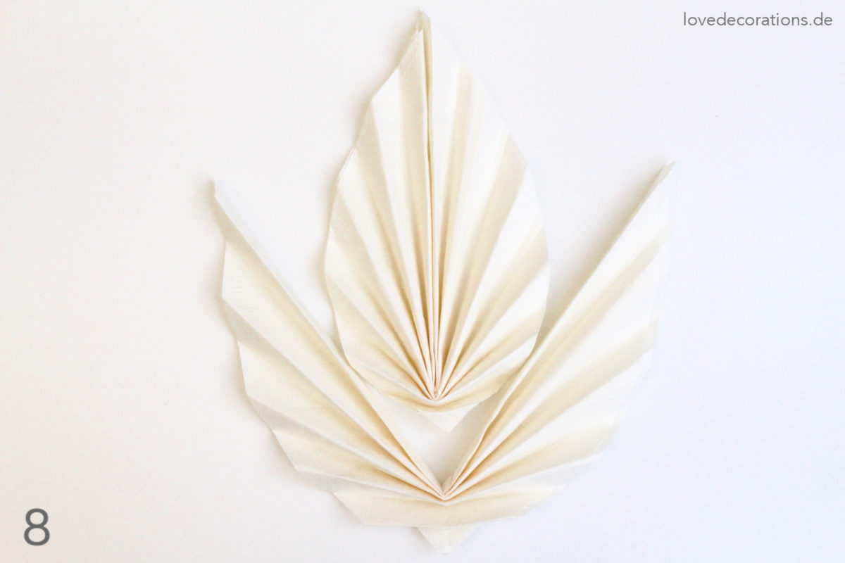 DIY Serviette falten: Ahornblatt | DIY Napkin Folding: Maple Leaf