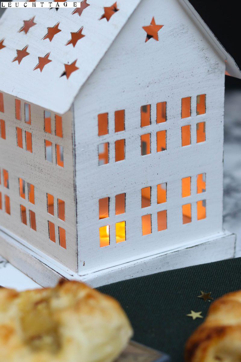 3 Blitzdesserts – Stapelkekstürmchen mit Zimtsterncreme, Geeiste Schokomousse, Miniapfelstrudel