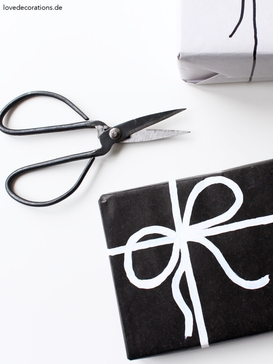 DIY Schleife auf Geschenkpapier malen | DIY painted Bow on a Gift Wrapping
