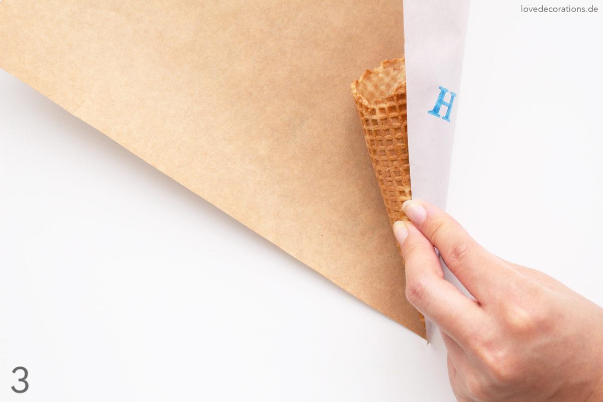 DIY Eiswaffel in einer Schültüte zum Schulanfang | DIY School Cone Gift