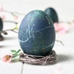 DIY Oster-Eierbecher aus Draht | #OsterbastelEi