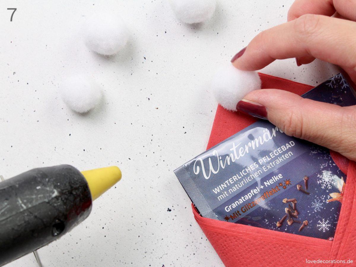 DIY Badesalz in Zipfelmützen verpacken | DIY Bath Salt packed in Christmas Hat