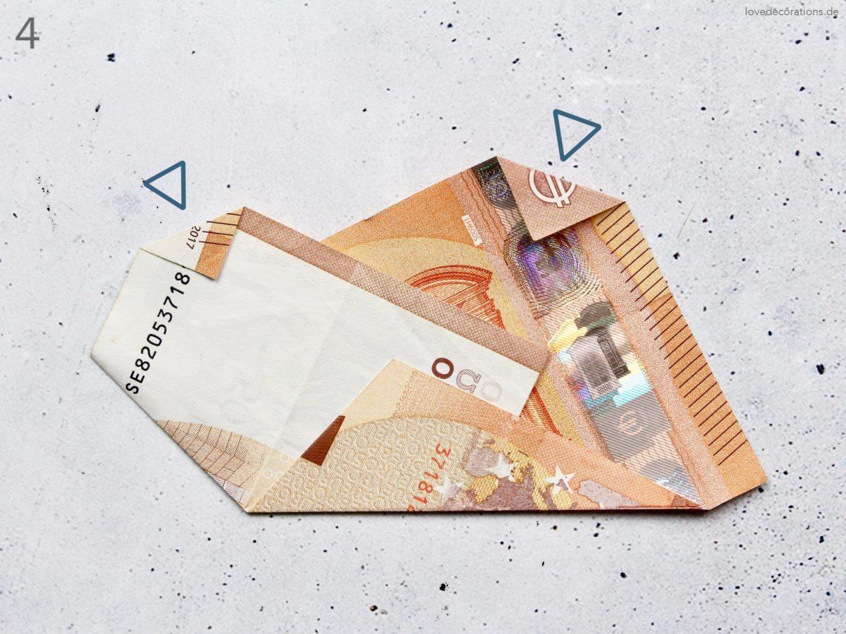 DIY Leinwand als Geldgeschenk mit Origami Wolken – Love Is In The Air
